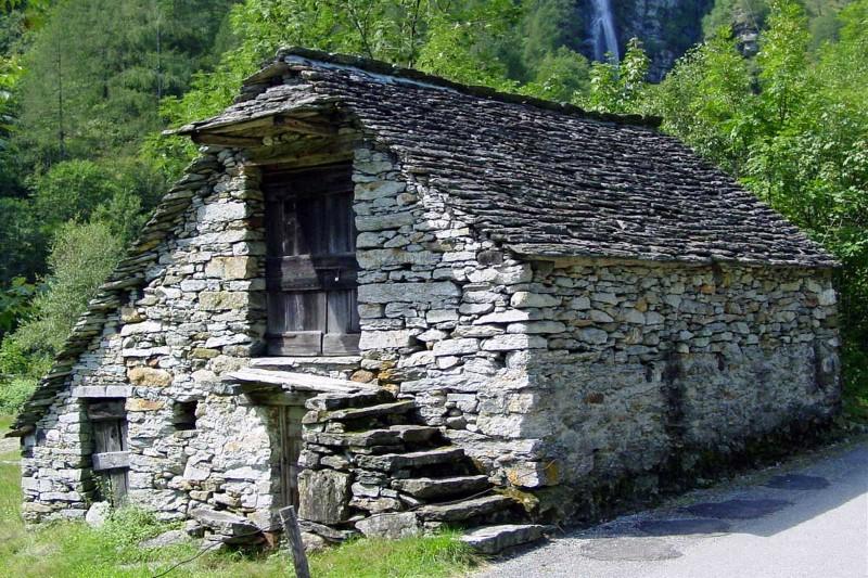 Domček z kameňa