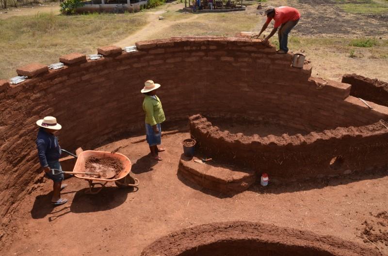 Múry z adobe tehiel
